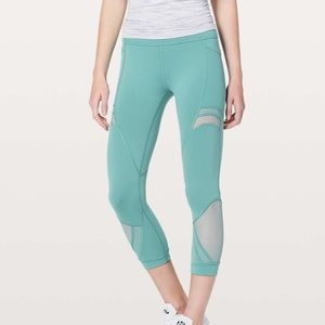 LULULEMON teal forget the sweat crop